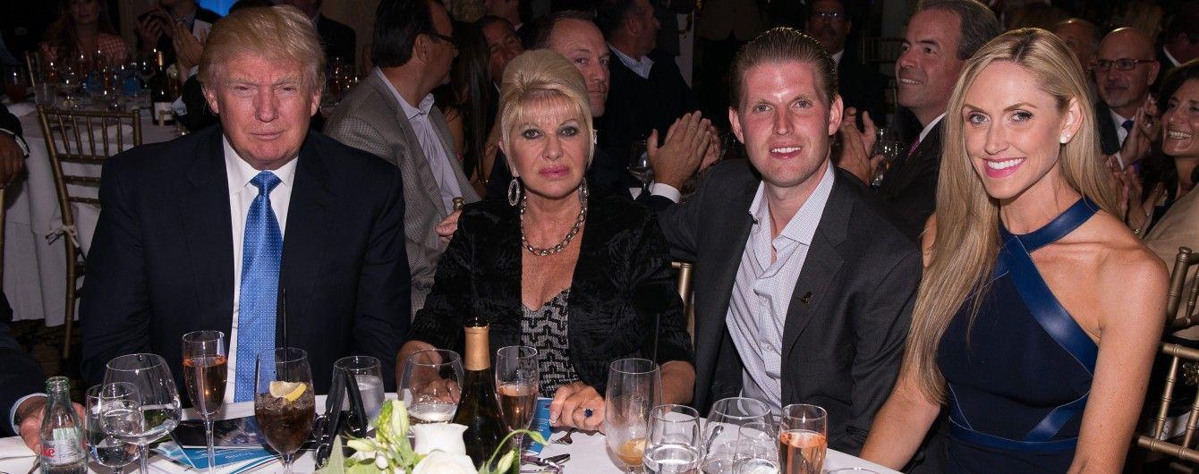 Мама Иванки Трамп пишет мемуары о жизни с президентом США и воспитании детей