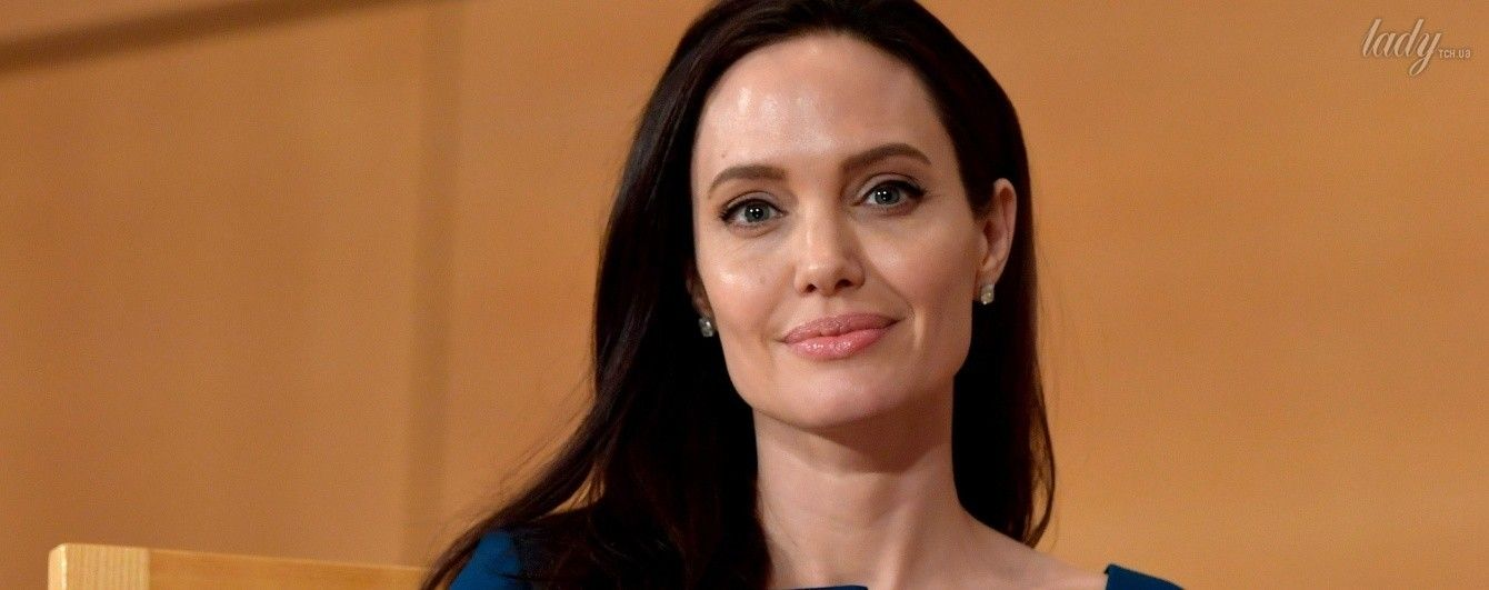 Выглядит отлично: Джоли продемонстрировала новый эффектный образ