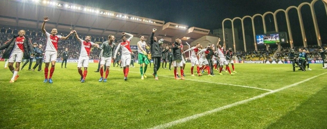 """Співи у роздягальні. Як футболісти """"Монако"""" відзначили  історичний успіх у Лізі чемпіонів"""