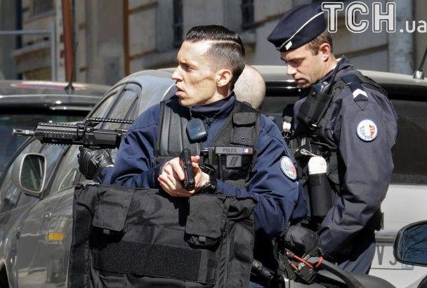 В парижском офисе МВФ взорвался подозрительный конверт, ранен сотрудник фонда