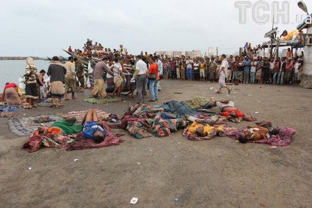 У берегов Йемена с вертолета расстреляли более 30 сомалийских беженцев – Reuters