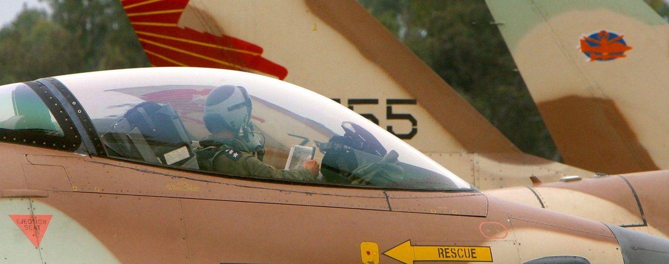 Ізраїльський літак атакував позиції ХАМАС у секторі Ґази