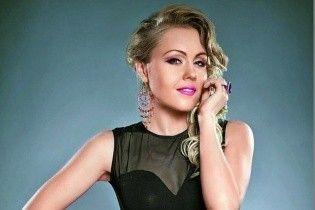 """Певица Alyosha: """"Я всегда серьезно отношусь к выбору одежды"""""""