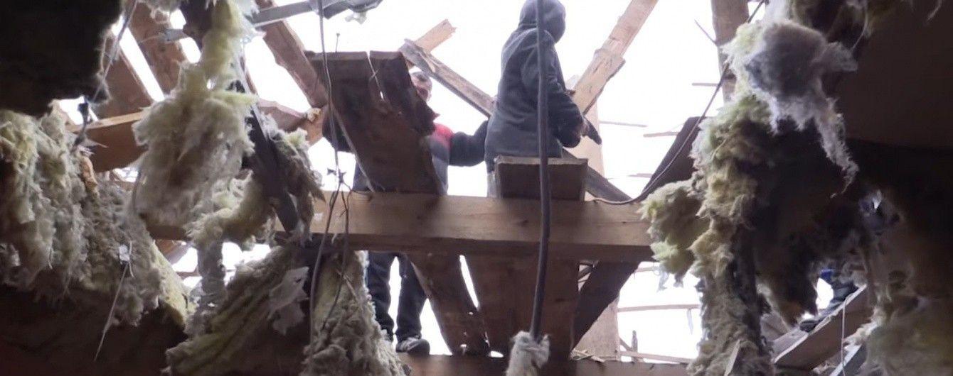 """""""Это невыносимо"""". Военные показали последствия обстрелов боевиками жилых кварталов Авдеевки"""