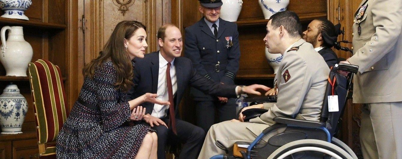 """Принц Уильям и Кейт Миддлтон встретились в Париже с жертвами """"Батаклана"""""""
