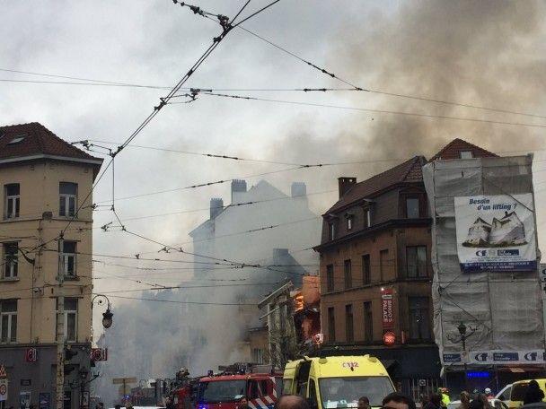 На окраине Брюсселя взрывом разнесло 4-этажку, есть травмированные