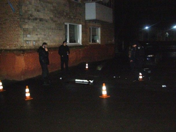 В Ровно неизвестные из гранатомета обстреляли управление патрульной полиции