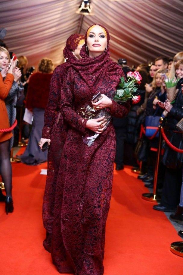 """""""VIVA! Самые красивые.Новый взгляд"""": Горбачева в короне, Кароль в откровенном платье, Полякова в красном"""