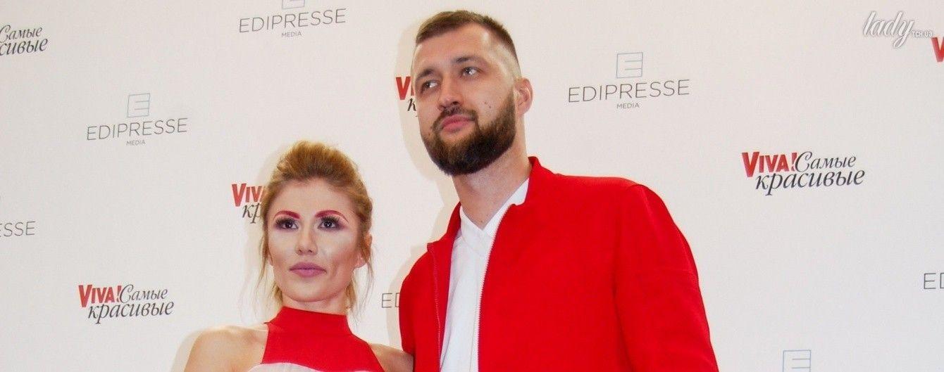 Цветные брови: Алена Омаргалиева продемонстрировала на красной дорожке новый тренд в макияже