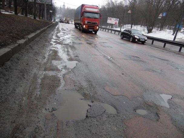 Полиция Киева проверила дороги и составила протоколы на дорожников и коммунальщиков