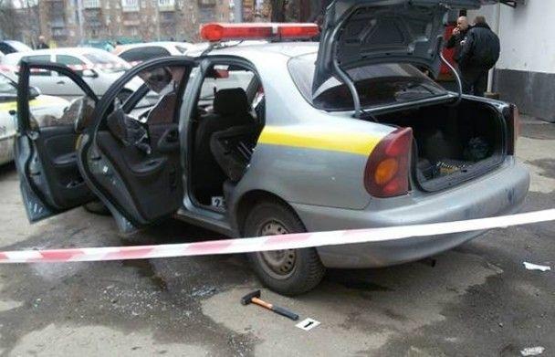В Киеве четверо неизвестных напали на инкассаторскую машину