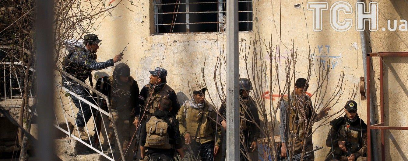 """Боевики """"ИГ"""" взяли в плен полковника и еще восьмерых офицеров иракской полиции"""