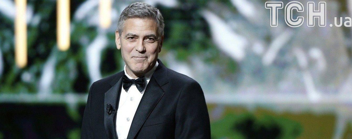 Зворушливий момент: Джордж Клуні зробив несподіваний подарунок 87-річній фанатці
