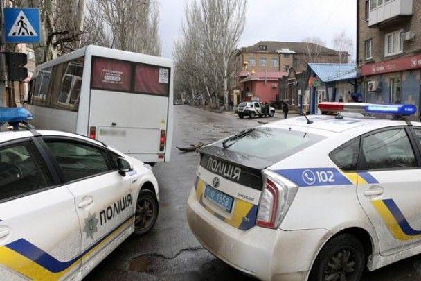 В Славянске маршрутка влетела в дерево: есть пострадавшие