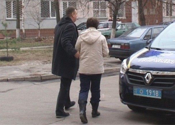 В Киеве женщина выбросила из многоэтажки своего тяжелобольного мужа