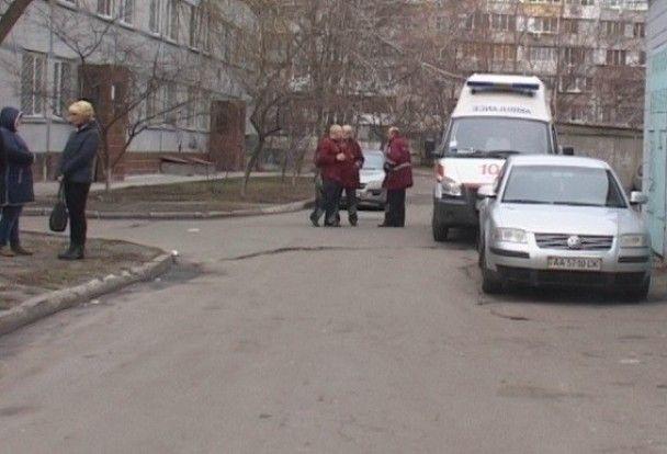 У Києві жінка викинула з багатоповерхівки свого тяжкохворого чоловіка