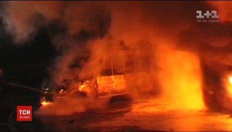Три маршрутки сгорели дотла в Сумах