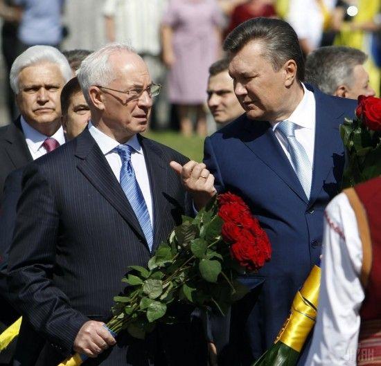 Азарову не вдалося поновити виплату української пенсії