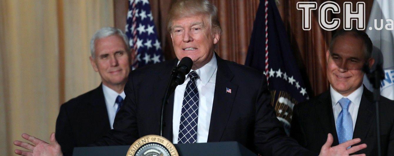 Купуй американське і наймай американців: Трамп підписав указ про захист ринку праці США