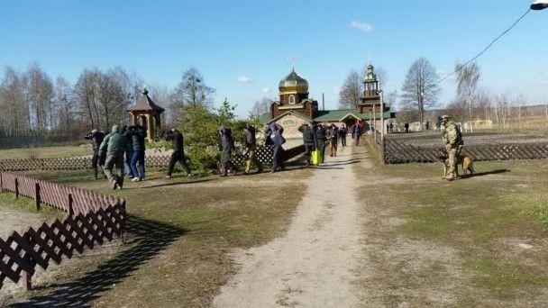 На Чернігівщині 200 наркозалежних хворих примусово тримали в бараках і катували