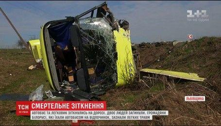 На Львівщині перекинувся автобус із більш ніж сорока пасажирами