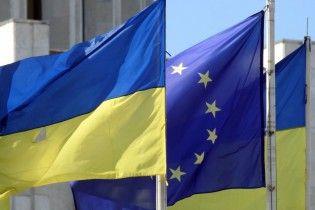 ЄСофіційно розкритикував проект щодо Антикорупційного суду, натякнувши на призупинення безвізу