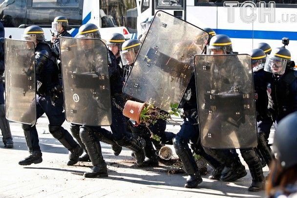 У центрі Парижа відбулися сутички між поліцією та жителями китайських кварталів