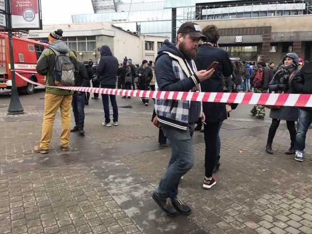 Вибух у Санкт-Петербурзі: перші фото з місця подій