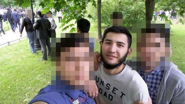 Прихильність до ісламу і таємничий візит до Москви. Що відомо про ймовірного петербурзького терориста