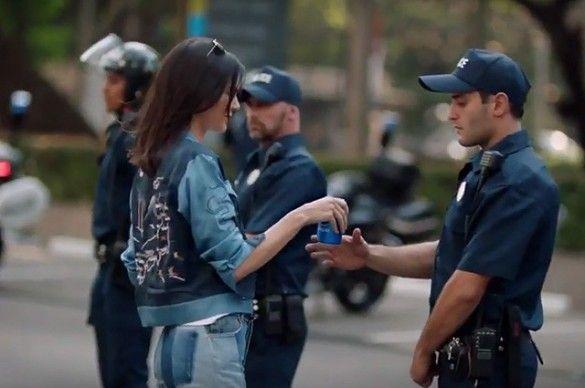 Реклама Pepsi з Кендалл Дженнер_1