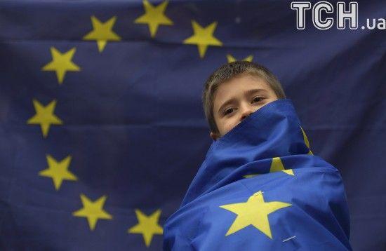 Півроку безвізу з ЄС: стало відомо скільки українців відвідало Європу