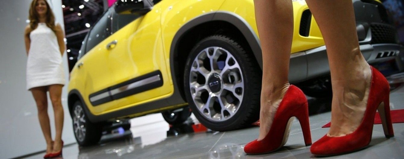 Женевский автосалон отказался от моделей-стендисток
