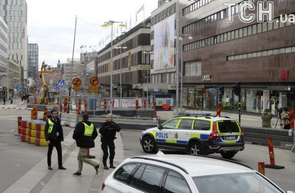 Внаслідок наїзду вантажівки у Стокгольмі загинули щонайменше двоє осіб