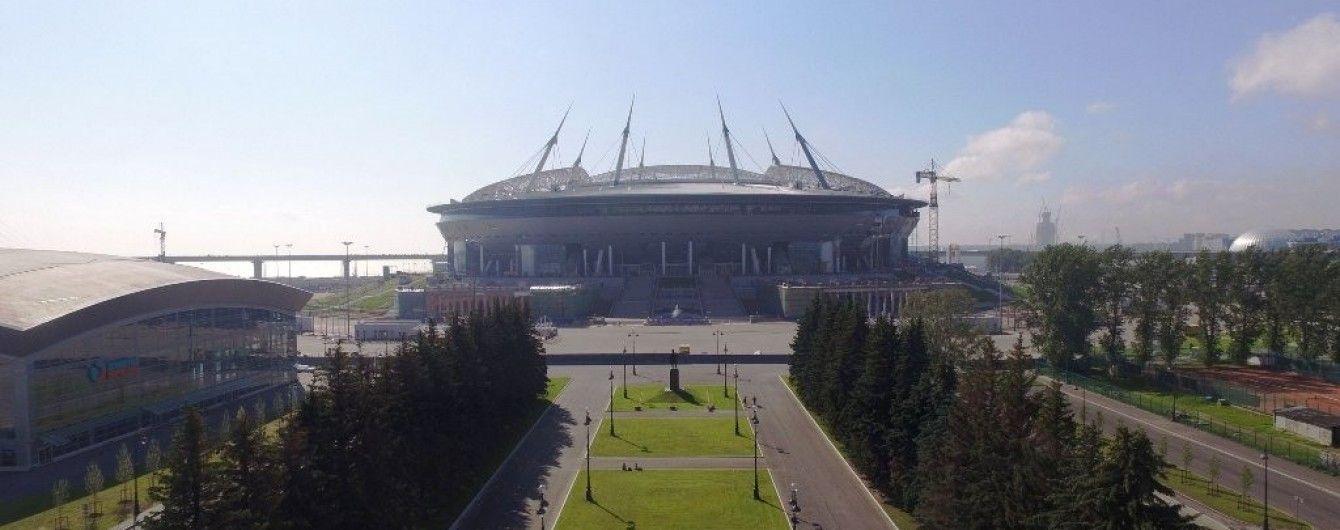 """На новом стадионе """"Зенита"""" начал гнить газон"""