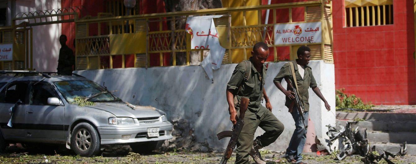 У столиці Сомалі біля військової бази прогримів вибух, є жертви