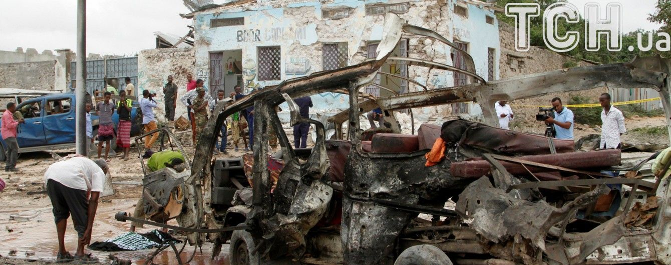 У столиці Сомалі поблизу урядової будівлі вибухнуло авто: є загиблі