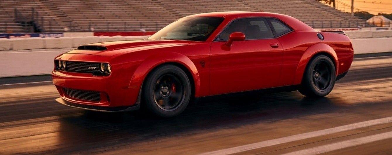 В Сеть попало первое изображение Dodge Challenger SRT Demon