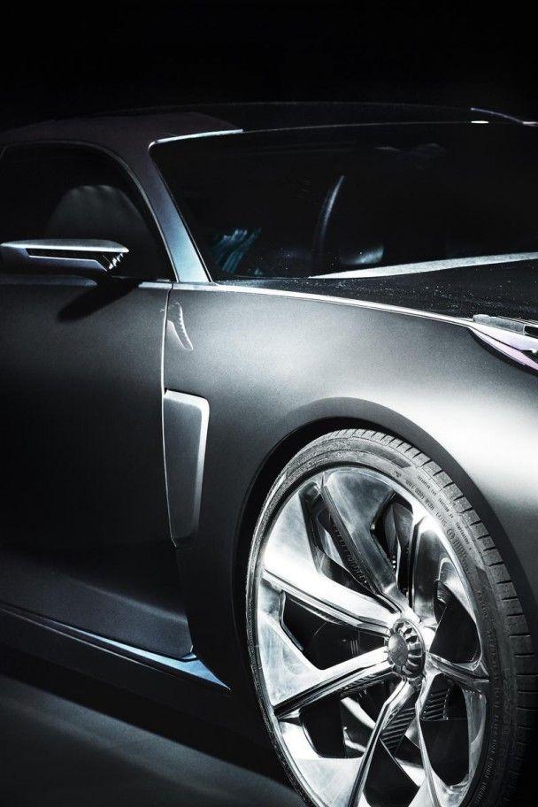 Китайский бренд Lynk & Co опубликовал официальные фото нового седана