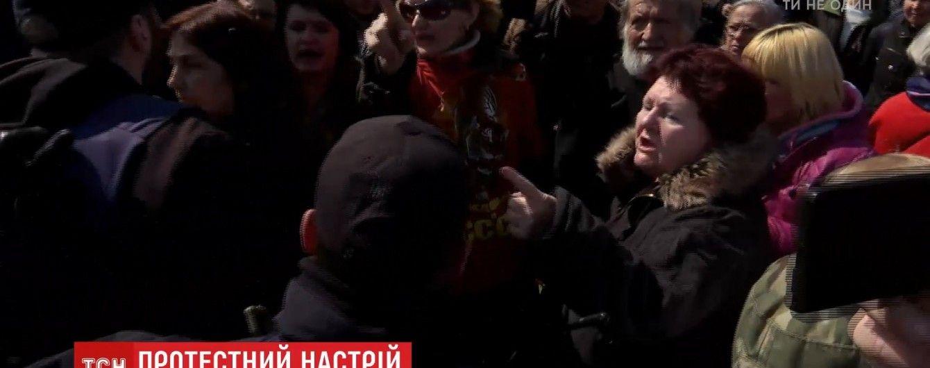 Затриманих після сутичок біля пам'ятника в Одесі відпустили