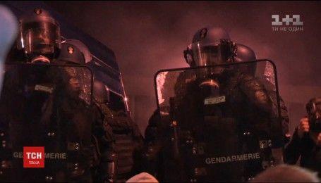 В Париже охранники тюрьмы устроили бунт