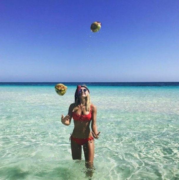 Пляжі Маямі та фешн-вечірки. Що постять в Instagram доньки екс-начальника ДАІ