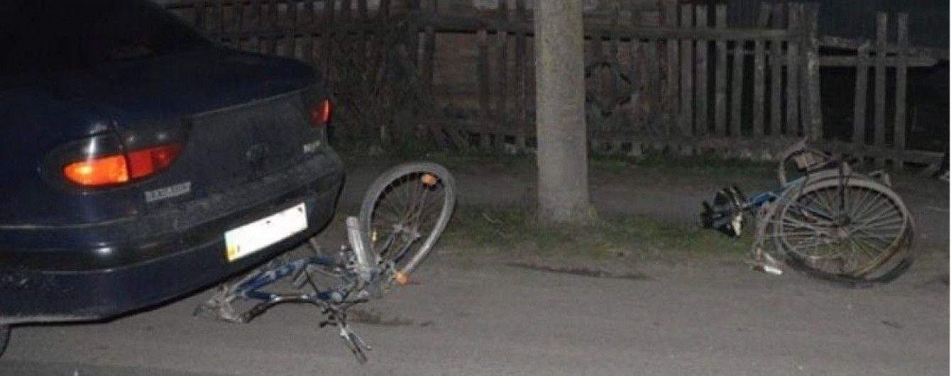 На Волыни пьяный водитель влетел в группу велосипедистов
