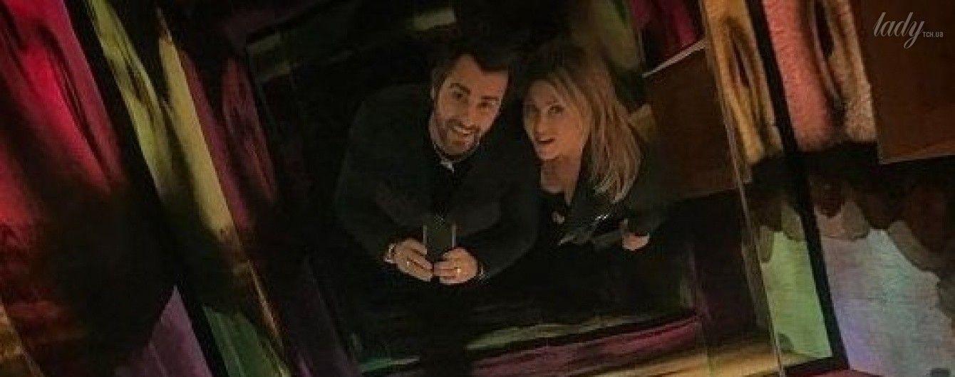 Селфи в Лувре: Джастин Теру и Дженнифер Энистон провели ночь, гуляя по Парижу