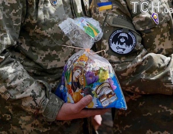 Величезні писанки та паски для бійців АТО. Як у Києві готуються до Великодня