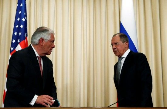 Лавров и Тиллерсон поговорили по телефону о ситуации в Украине