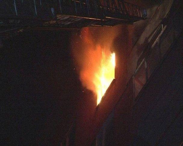 У Львові через пожежу у багатоповерхівці евакуювали майже 20 людей, постраждала жінка
