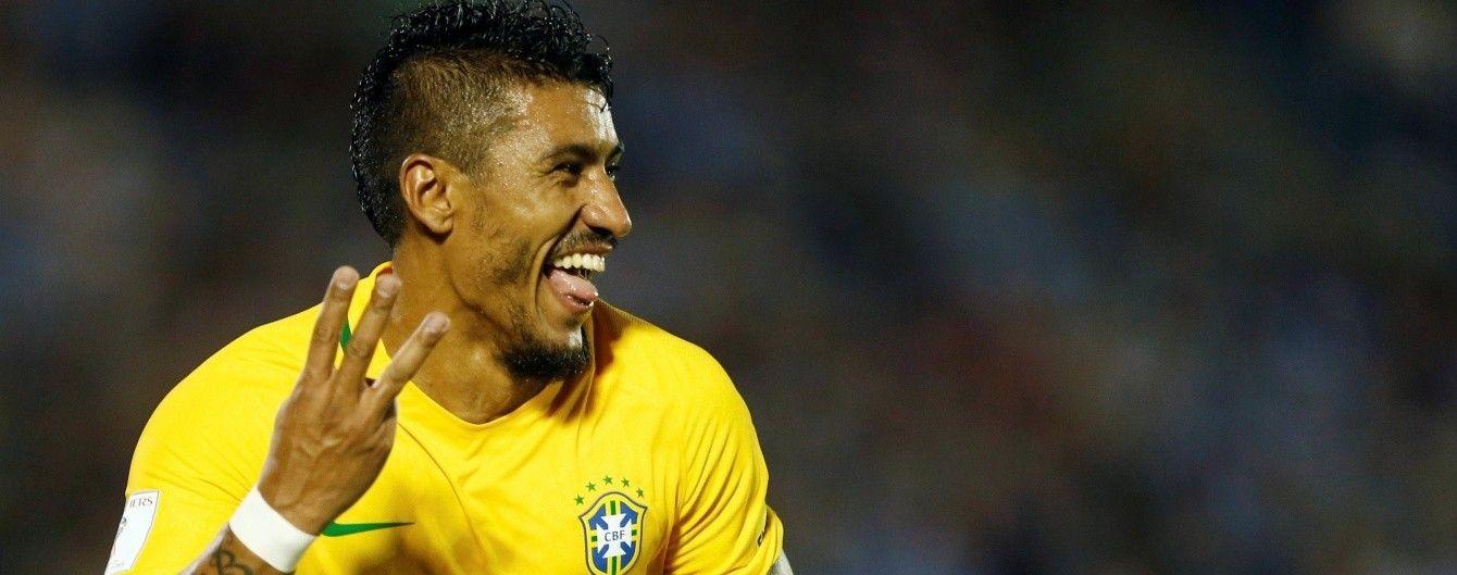 Бразильському футболісту загрожує депортація за фото з порноакторкою та рекламу азартних ігор