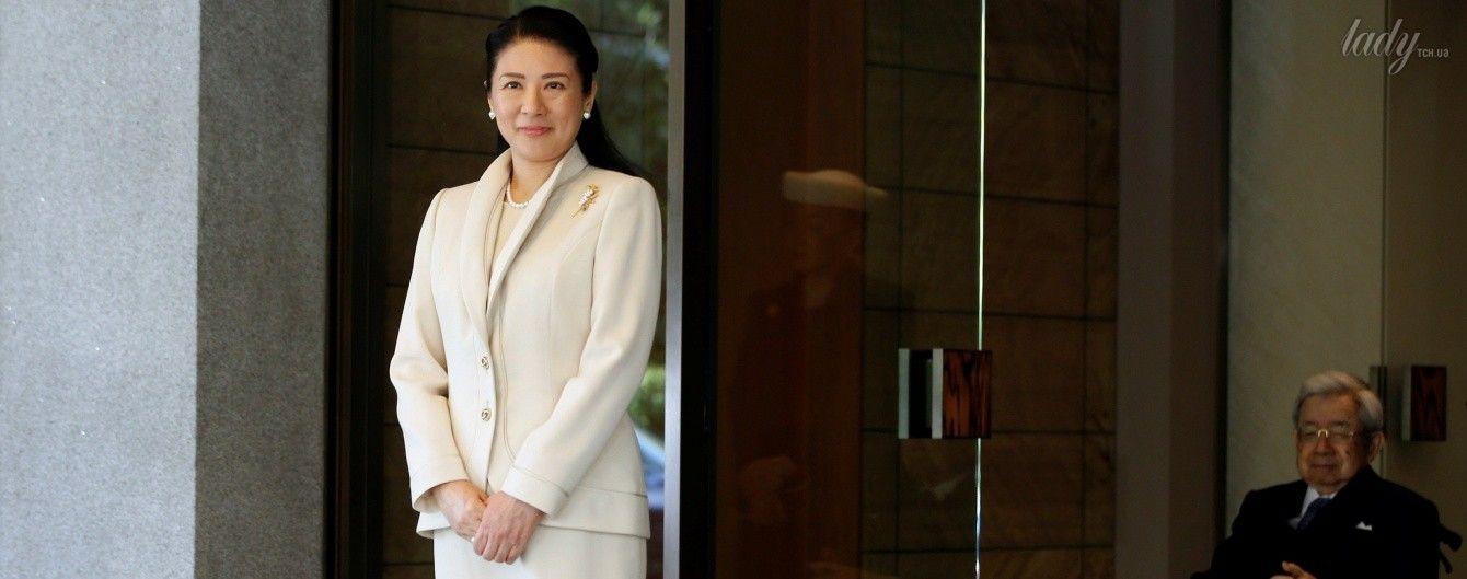 В молочном костюме и жемчужном ожерелье: элегантный выход японской принцессы Масако