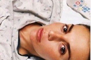 Сєдокова із катетерами в руці похизувалася розкішним букетом в лікарні