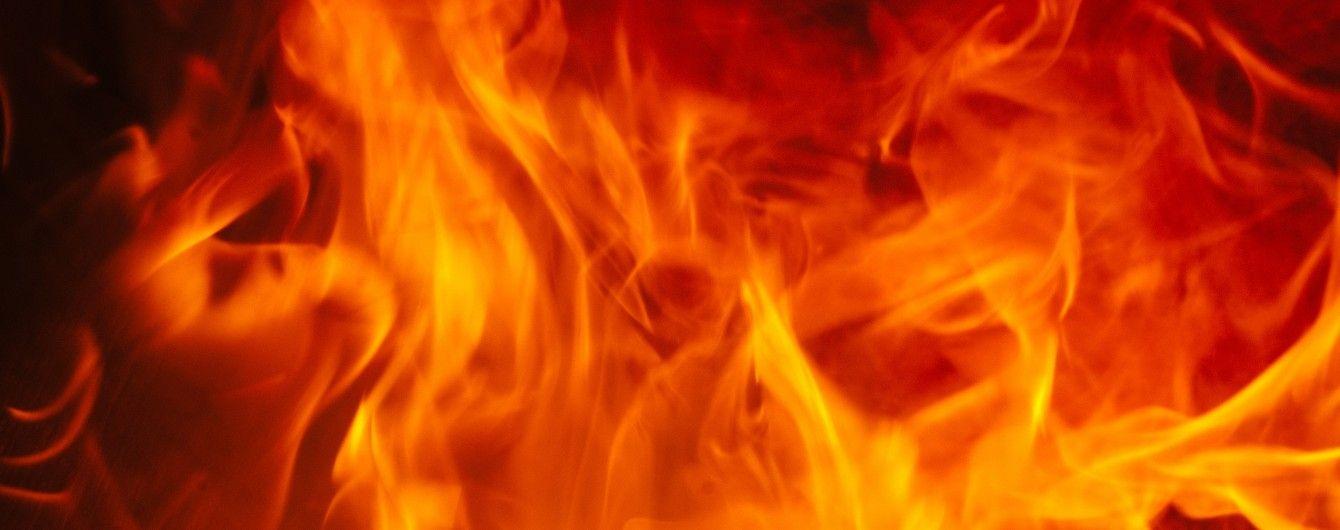 У Львові невідомі намагалися підпалити два банківських відділення